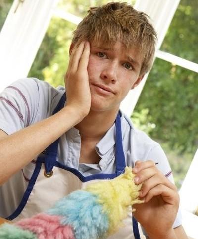 Работу уборщиком несовершеннолетним