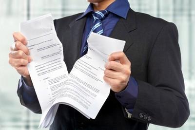 Как законно расторгнуть срочный договор?