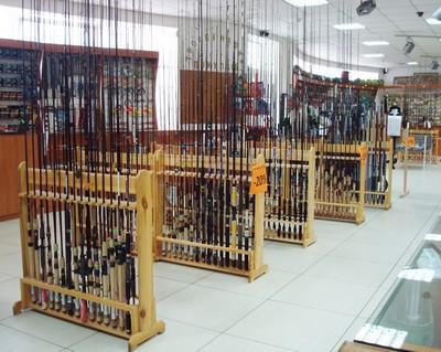 Ассортимент магазина рыболовных принадлежностей