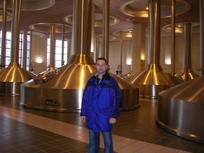 Персонал, работающий в частной пивоварне