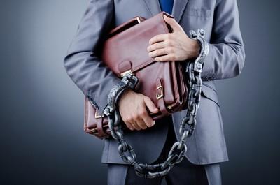 Теневое предпринимательство рассматривается разными кодексами